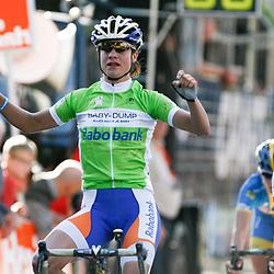 Brainwash Ladiestour Zaltbommel Marianne Vos wins 4th stage 2nd Charlotte Becker and 3th Emma Johannson