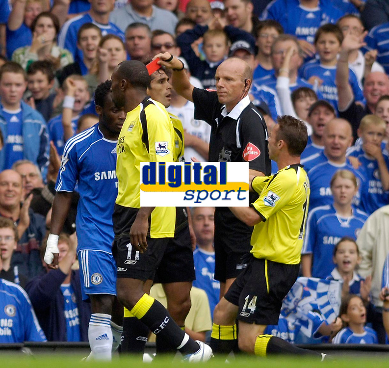 Photo: Daniel Hambury.<br />Chelsea v Manchester City. The Barclays Premiership. 20/08/2006.<br />City's Bernardo Corradi (obscured) is sent off by referee Steve Bennett.