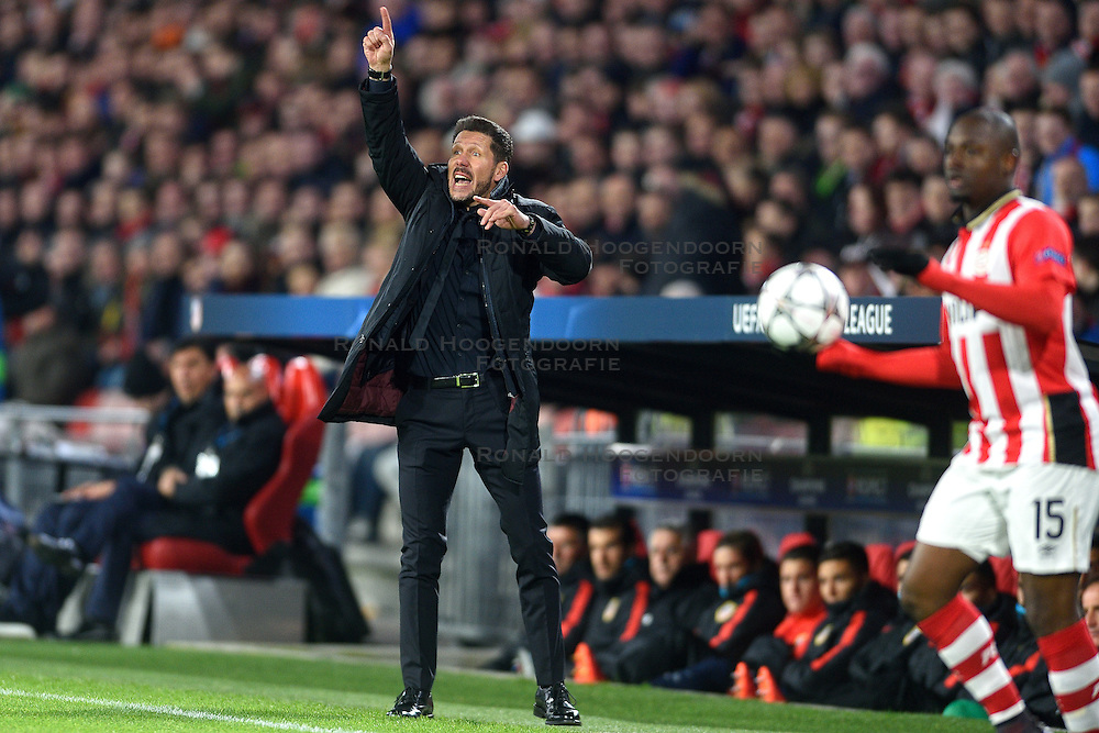 24-02-2016 NED: Champions League PSV - Atletico Madrid, Eindhoven<br /> Coach Diego Simeone