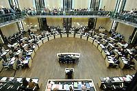 23 SEP 2005, BERLIN/GERMANY:<br /> Uebersicht Plenarsaal waehrend einer Sitzung des Bundesrates, Plenum, Bundesrat<br /> IMAGE: 20050923-01-022<br /> KEYWORDS: Übersicht, Saal