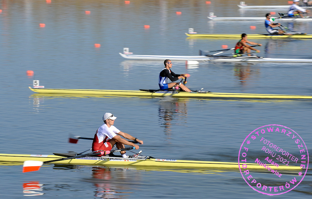 BARTLOMIEJ LESNIAK (POLAND) WAITS FOR START IN MEN'S LIGHTWEIGHT SINGLE SCULLS DURING REGATTA EUROPEAN ROWING CHAMPIONSHIPS IN MONTEMOR-O-VELHO, PORTUGAL...PORTUGAL , MONTEMOR-O-VELHO , SEPTEMBER 10, 2010..( PHOTO BY ADAM NURKIEWICZ / MEDIASPORT ).