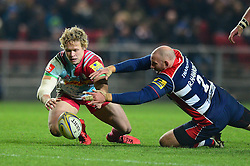 Matt Hopper of Harlequins and Rob Hawkins of Bristol Rugby closes down the loose ball  - Mandatory by-line: Dougie Allward/JMP - 10/02/2017 - RUGBY - Ashton Gate - Bristol, England - Bristol Rugby v Harlequins - Aviva Premiership