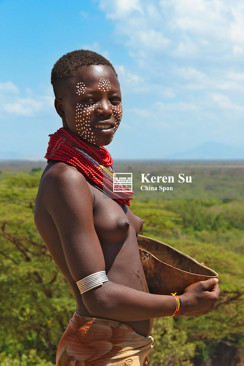 Kara tribe woman, east bank of Lower Omo River, Turmi, South Omo, Ethiopia
