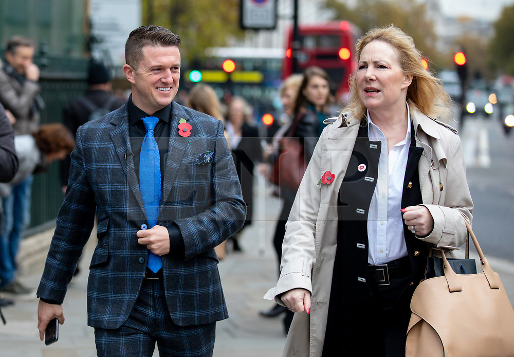 © Licensed to London News Pictures. 06/11/2018. London, UK. Stephen Yaxley-Lennon, also known as Tommy Robinson, (left) with Janice Atkinson MEP (right) seen in Westminster talking to pro-Trump supporters and anti-Brexit demonstrators. Photo credit : Tom Nicholson/LNP
