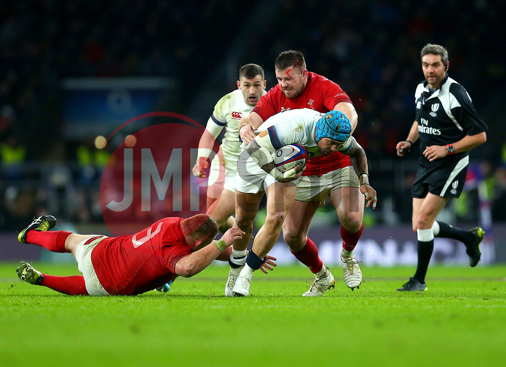 Jack Nowell of England is tackled by Samson Lee of Wales - Mandatory by-line: Robbie Stephenson/JMP - 10/02/2018 - RUGBY - Twickenham Stoop - London, England - England v Wales - Women's Six Nations
