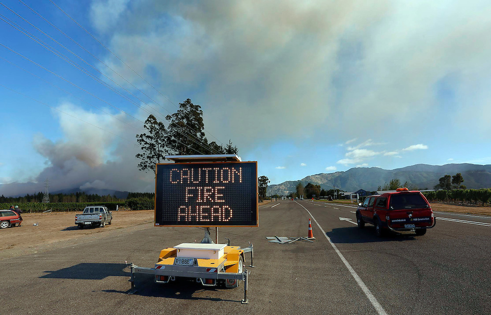 A large forest fire burning between Onamalutu Valley and State Highway 6, northwest of Renwick, Blenheim, New Zealand, Thursday, Febrjary 05, 2015. Credit:SNPA / Anthony Phelps