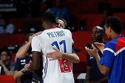 10.09.2014, Palacio de los deportes, Madrid, ESP, FIBA WM, Frankreich vs Spanien, Viertelfinale, im Bild France&acute;s coach Vincent Collet hugs Pietrus // during FIBA Basketball World Cup Spain 2014 Quarter-Final match between France and Spain at the Palacio de los deportes in Madrid, Spain on 2014/09/10. EXPA Pictures &copy; 2014, PhotoCredit: EXPA/ Alterphotos/ Victor Blanco<br /> <br /> *****ATTENTION - OUT of ESP, SUI*****