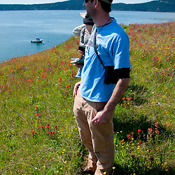 Jeff from North Cascades Institute Leads Field Seminar Visit to Yellow Island, San Juan Islands, Washington, US