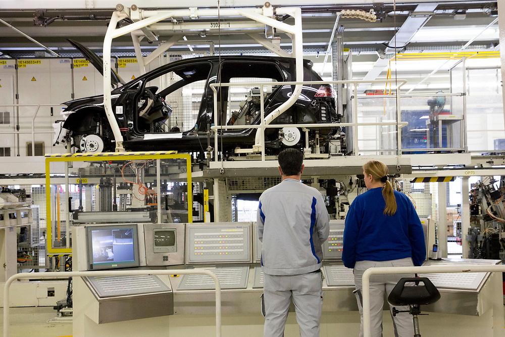 Produktion im VW Werk: Hochzeit von Fahrwerk und Karosse / 090317<br /> <br /> <br /> ***Wedding of Drive Unit and Body: Production of VW cars such as Golf and E Golf at the factory in Wolfsburg, Germany on March 9, 2017***