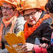 NLD/Tilburg/20170427- Koningsdag 2017, verklede oranjefans