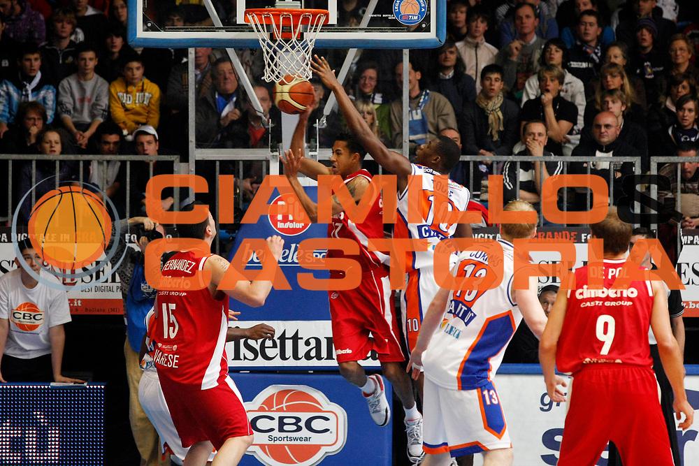 DESCRIZIONE : Cantu Lega A1 2007-08 Tisettanta Cantu Cimberio Varese<br /> GIOCATORE : Romel Beck<br /> SQUADRA : Cimberio Varese<br /> EVENTO : Campionato Lega A1 2007-2008<br /> GARA : Tisettanta Cantu Cimberio Varese<br /> DATA : 02/12/2007<br /> CATEGORIA : Passaggio<br /> SPORT : Pallacanestro<br /> AUTORE : Agenzia Ciamillo-Castoria/G.Cottini