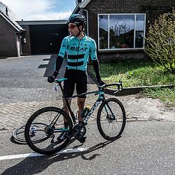 04-05-2019: Wielrennen: Ronde van Overijssel: Rijssen<br />Pech voor Luuc Bugter