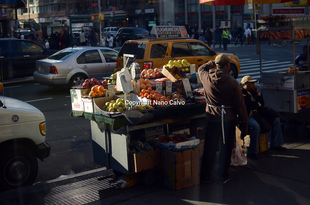 Fruit street vendor, New York