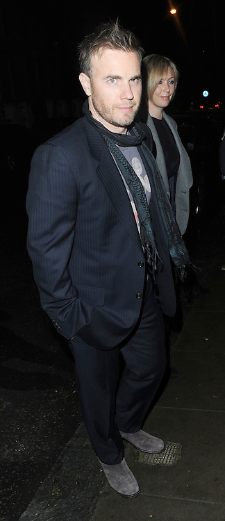 22.MARCH.2010. LONDON<br /> <br /> GARY BARLOW ARRIVING AT THE AFTERPARTY OF NEW FILM KICK-ASS WHICH WAS HELD AT HER AND HUSBAND MATTHEW VAUGHN'S HOUSE IN NOTTING HILL.<br /> <br /> BYLINE: OPTICPHOTOS.COM<br /> <br /> *THIS IMAGE IS STRICTLY FOR UK NEWSPAPERS &amp; MAGAZINES ONLY*<br /> *FOR WORLDWIDE SALES OR WEB USE PLEASE CONTACT OPTICPHOTOS - 0208 954 5968*