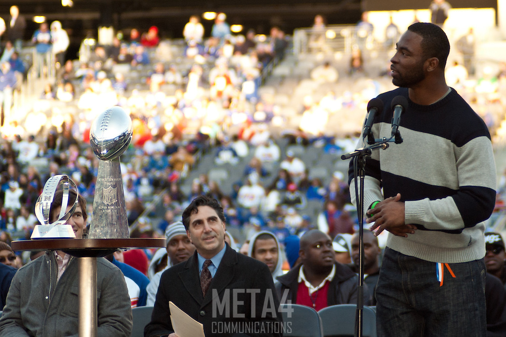 Giants' defensive star Justin Tuck thanks his teammates and fans for their support.