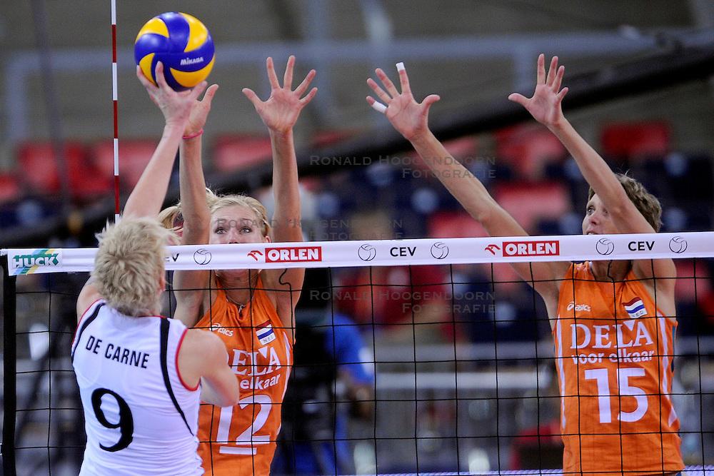 30-09-2009 VOLLEYBAL: EUROPEES KAMPIOENSCHAP NEDERLAND - BELGIE: LODZ<br /> Nederland is groepswinnaar en wint opnieuw. Belgie wordt met 3-0 verslagen / Manon Flier en Ingrid Visser<br /> &copy;2009-WWW.FOTOHOOGENDOORN.NL