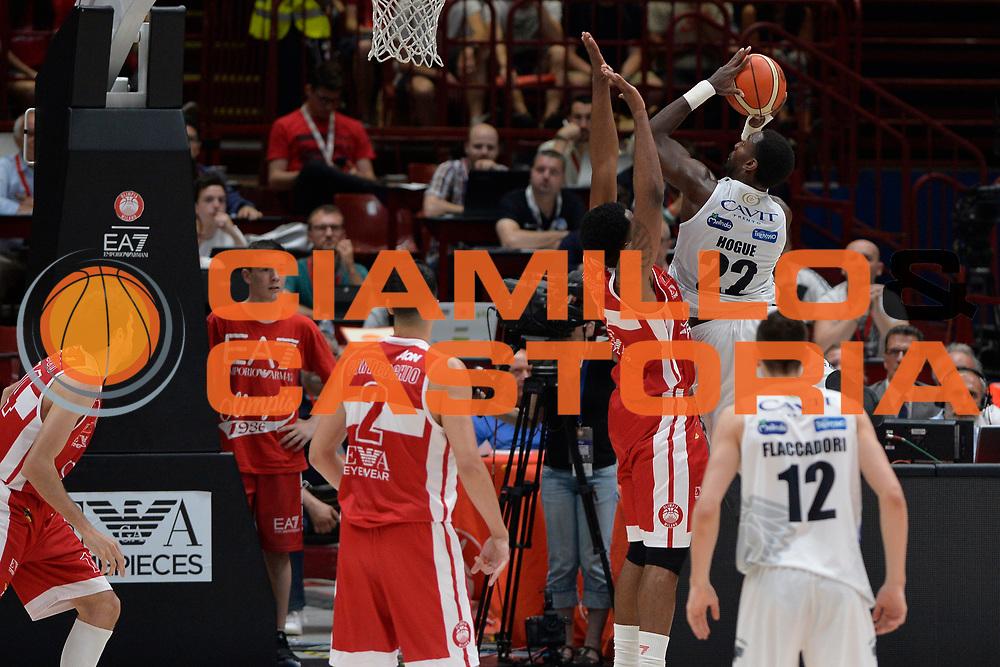 Hogue Dustin<br /> Olimpia EA7 Emporio Armani Milano vs Dolomiti Energia Trentino<br /> Lega Basket Serie A 2016/2017<br /> PlayOff semifinale gara 2<br /> Milano 27/05/2017<br /> Foto Ciamillo-Castoria / I.Mancini