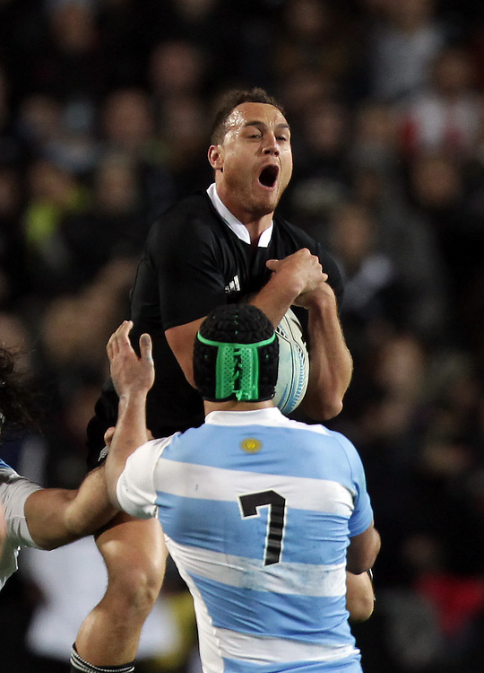 New Zealand's Israel Dagg jumps for the ball beating Argentina's Pablo Matera in the 2013 Rugby Championship Match at Waikato Stadium, Hamilton, New Zealand, Saturday, September 07, 2013.  Credit:SNPA / David Rowland