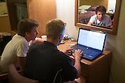 Niels en Kai bekijken de meetgegevens van Sebastiaan Bowier na afloop van de tweede racedag van het WHPSC. In de buurt van Battle Mountain, Nevada, strijden van 10 tot en met 15 september 2012 verschillende teams om het wereldrecord fietsen tijdens de World Human Powered Speed Challenge. Het huidige record is 133 km/h.<br /> <br /> Niels and Kai are analyzing the data of the ride of Sebastiaan Bowier at the second race day of the WHPSC. Near Battle Mountain, Nevada, several teams are trying to set a new world record cycling at the World Human Powered Speed Challenge from Sept. 10th till Sept. 15th. The current record is 133 km/h.