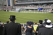 Royal Ascot Race Meeting. Wednesday 21 June 2006. ONE TIME USE ONLY - DO NOT ARCHIVE  © Copyright Photograph by Dafydd Jones 66 Stockwell Park Rd. London SW9 0DA Tel 020 7733 0108 www.dafjones.com