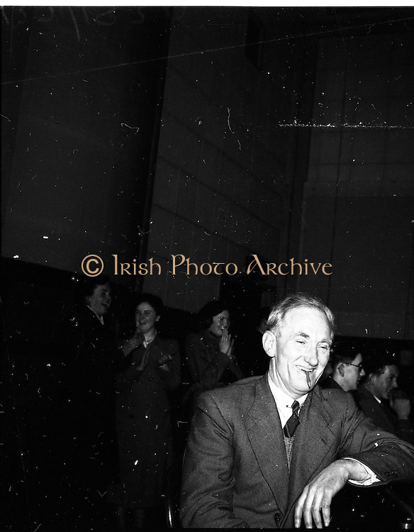15/02/1953<br /> 02/15/1953<br /> 15 February 1953<br /> Radio Eireann &quot;Question Time&quot; general-knowledge quiz show trial at the Phoenix Hall, Dublin. View of audience.