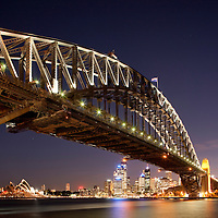 Australia, New South Wales, Sydney, Harbour Bridge and city skyline at dusk