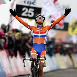 Marianne Vos wereldkampion in het veld haar vijfde!!!