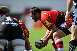 Piri Weepu (London Welsh) looks to put the ball into a scrum - Photo mandatory by-line: Patrick Khachfe/JMP - Mobile: 07966 386802 06/09/2014 - SPORT - RUGBY UNION - Oxford - Kassam Stadium - London Welsh v Exeter Chiefs - Aviva Premiership