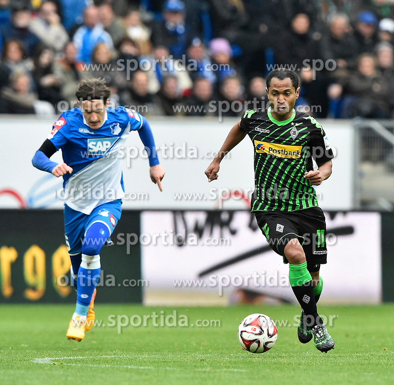 04.04.2015, Rhein Neckar Arena, Sinsheim, GER, 1. FBL, TSG 1899 Hoffenheim vs Borussia Moenchengladbach, 27. Runde, im Bild Raffael Borussia Moenchengladbach am Ball (rechts) Sebastian Rudy TSG 1899 Hoffenheim laeuft hinterher (links) // during the German Bundesliga 27th round match between TSG 1899 Hoffenheim and Borussia Moenchengladbach at the Rhein Neckar Arena in Sinsheim, Germany on 2015/04/04. EXPA Pictures &copy; 2015, PhotoCredit: EXPA/ Eibner-Pressefoto/ WEBER<br /> <br /> *****ATTENTION - OUT of GER*****