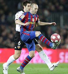 14.03.2010, Camp Nou, Barcelona, ESP, Primera Divison, FC Barcelona vs Valencia, im Bild Barcelona's player Andres Iniesta (R) and Valencia's  Albelda (L), EXPA Pictures © 2010, PhotoCredit: EXPA/ Alterphotos