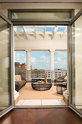 2425 L Street designer Lorne Gross Hallway foyer entrance archway