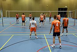 13-05-2014 NED: Selectie Nederlands volleybal team mannen, Arnhem<br /> Op Papendal werd het Nederlands team volleybal seizoen 2014-2015 gepresenteerd / Mizuno