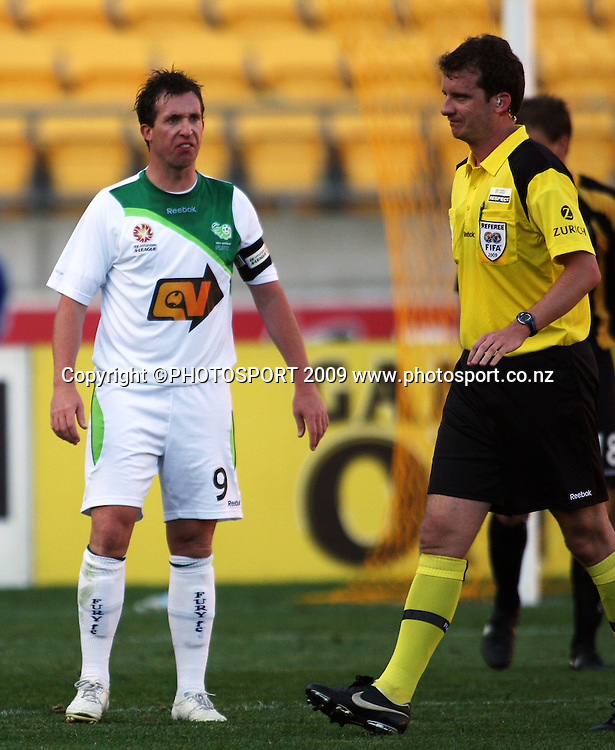 Fury captain Robbie Fowler has a word with referee Peter Green.<br /> A-League football - Wellington Phoenix v North Queensland Fury at Westpac Stadium, Wellington. Sunday, 16 August 2009. Photo: Dave Lintott/PHOTOSPORT