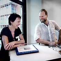 Nederland, Amsterdam , 1 juli 2014.<br /> Natasja Kok (Amsterdam, 1969) werkt sinds 1991 op afdeling 5C, longziekten. Eerst als researchverpleegkundige en verpleegkundige op de behandelkamer longziekten. Sinds 2002 is ze leidinggevend verpleegkundige<br /> <br /> Sjoerd Greuters (Elden, 1971) is anesthesist, helikopter MMT-arts en medisch adviseur bij zorgsupport (voorheen IOP). Hij werkt sinds in 1999 in VUmc<br /> <br /> Foto:Jean-Pierre Jans