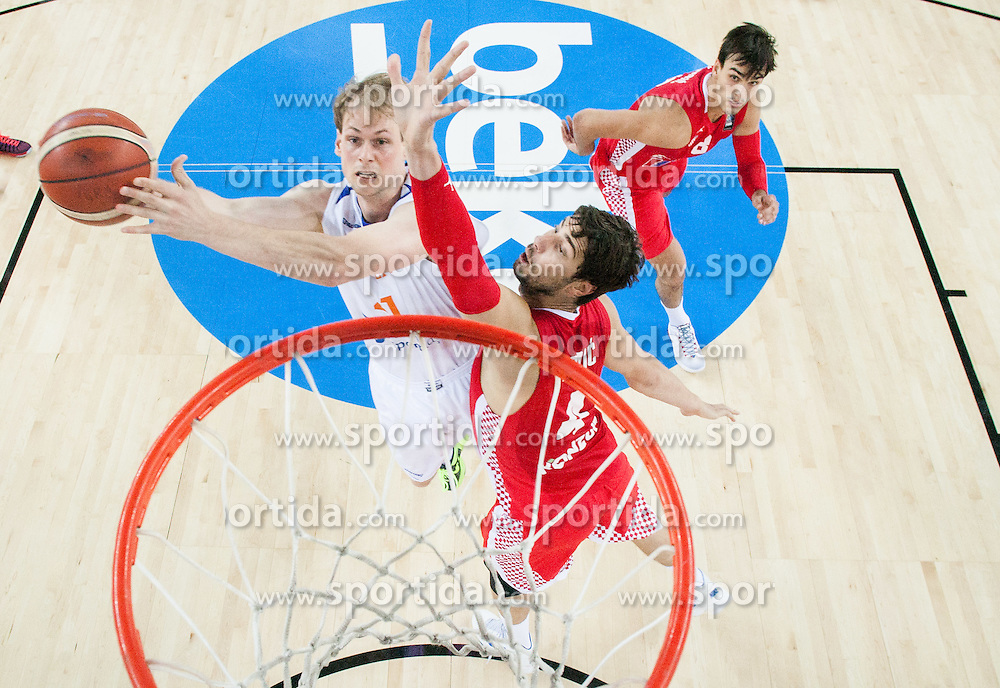 Robin Smeulders of Netherlands vs Ante Tomic of Croatia during basketball match between Netherlands and Croatia at Day 5 in Group C of FIBA Europe Eurobasket 2015, on September 9, 2015, in Arena Zagreb, Croatia. Photo by Vid Ponikvar / Sportida