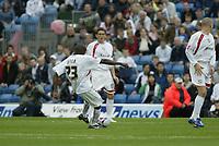 Photo: Marc Atkins.<br />Milton Keynes Dons v Notts County. Coca Cola League 2. 02/09/2006. Lloyd Dyer scores for MK Dons.