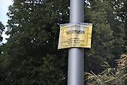 Nederland, Maastricht, 20-5-2012Bewoners van een woonwijk bij het station hebben plakaten opgehangen ter bestrijding van de drugsoverlast. Men wordt opgeroepen ded politie te bellen.Foto: Flip Franssen/Hollandse Hoogte