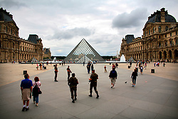 FRANCE PARIS 27JUL07 - Armed soldiers patrol the main courtyard at the Louvre, the world's most prominent collection of fine art.. . jre/Photo by Jiri Rezac. . © Jiri Rezac 2007. . Contact: +44 (0) 7050 110 417. Mobile:  +44 (0) 7801 337 683. Office:  +44 (0) 20 8968 9635. . Email:   jiri@jirirezac.com. Web:    www.jirirezac.com. . © All images Jiri Rezac 2007 - All rights reserved.