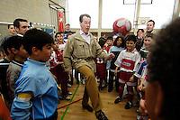 """23 APR 2006, BERLIN/GERMANY:<br /> Franz Muentefering, SPD, Bundesarbeitsminister, spielt Fussball, waehrend dem Besuch des Kiez-Fussballturniers """"Xhain kickt"""", 3. SPD Fussballturnier fuer E-Jugend mit acht Mannschaften aus Friedrichshain-Kreuzberg, Lobeckhalle, Berlin-Kreuzberg<br /> IMAGE: 20060423-01-014<br /> KEYWORDS: Fußball, Jugendliche, Kinder, Amateurfussball, spielen"""