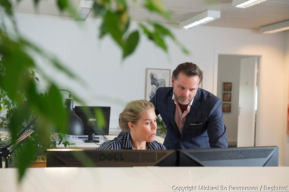 3manager, adm. direktør Jarl Arfelt og Betina Fjelsted. Firmaet laver software som overvåger og optimerer printerforbrug. Foto: © Michael Bo Rasmussen / Baghuset. Dato: 04.09.13