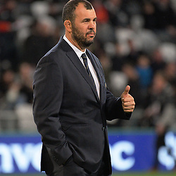 Michael Cheika gives the thumbs up during the Rugby Championship and Bledisloe Cup rugby match between the New Zealand All Blacks and Australia Wallabies at Forsyth Barr Stadium in Dunedin, New Zealand on Saturday, 26 August 2017. Photo: Dave Lintott / lintottphoto.co.nz