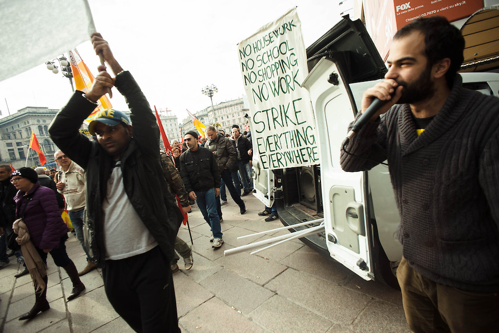 Sciopero nazionale Fiom Cgil contro il Jobs Act del governo Renzi. Manifestazione di Milano. Sciopero sociale dei movimenti.