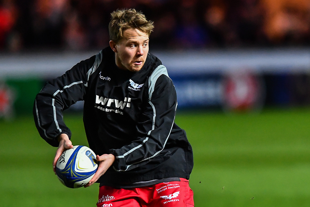 Scarlets' James Davies during the pre match warm up<br /> <br /> Photographer Craig Thomas/Replay Images<br /> <br /> European Rugby Champions Cup Round 5 - Scarlets v Toulon - Saturday 20th January 2018 - Parc Y Scarlets - Llanelli<br /> <br /> World Copyright © Replay Images . All rights reserved. info@replayimages.co.uk - http://replayimages.co.uk