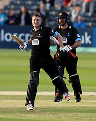 Sussex's Luke Wright and Sussex's Michael Yardy celebrates hitting the winning runs - Photo mandatory by-line: Robbie Stephenson/JMP - Mobile: 07966 386802 - 26/06/2015 - SPORT - Cricket - Bristol - The County Ground - Gloucestershire v Sussex - Natwest T20 Blast