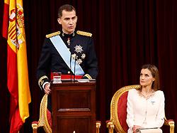 19.06.2014, Congreso de los Diputados, Madrid, ESP, Inthronisierung, König Felipe VI, im spanischen Abgeordnetenhaus, im Bild King Felipe VI of Spain and Queen Letizia of Spain // during the Enthronement ceremonies of King Felipe VI at the Congreso de los Diputados in Madrid, Spain on 2014/06/19. EXPA Pictures © 2014, PhotoCredit: EXPA/ Alterphotos/ EFE/Pool<br /> <br /> *****ATTENTION - OUT of ESP, SUI*****