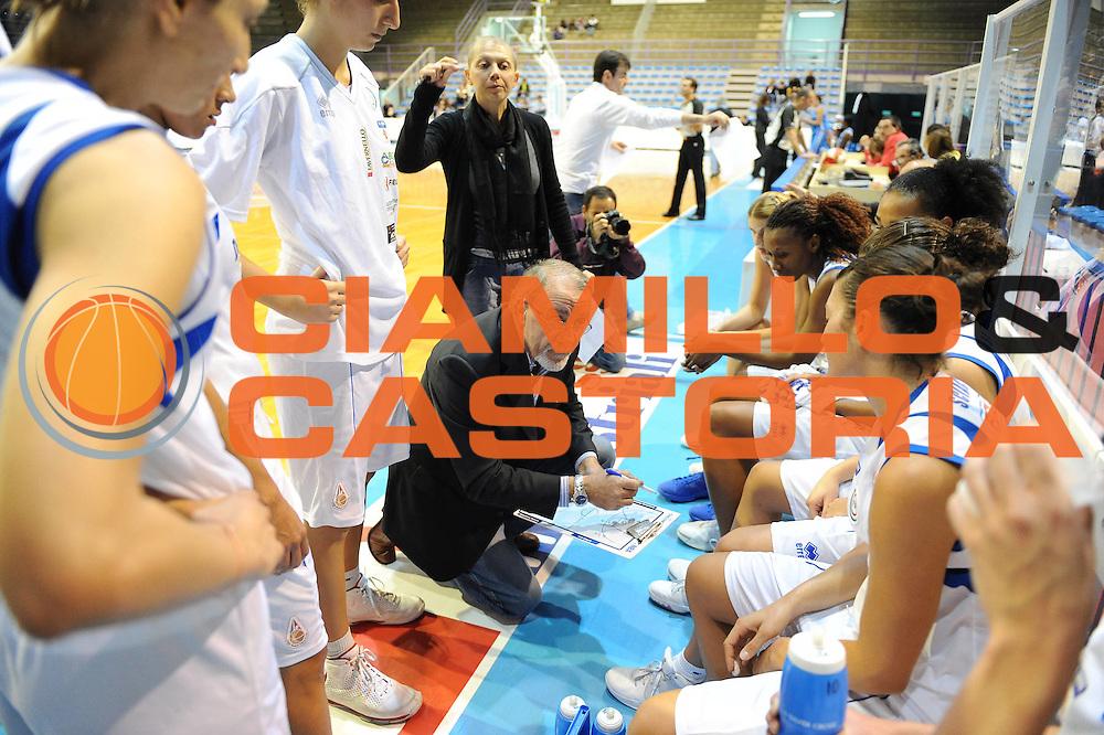 DESCRIZIONE : Faenza LBF Club Atletico Faenza GMA Phonica Pozzuoli<br /> GIOCATORE : Paolo Rossi team Faenza<br /> SQUADRA : Club Atletico Faenza<br /> EVENTO : Campionato Lega Basket Femminile A1 2009-2010<br /> GARA : Club Atletico Faenza GMA Phonica Pozzuoli<br /> DATA : 24/10/2009 <br /> CATEGORIA : timeout<br /> SPORT : Pallacanestro <br /> AUTORE : Agenzia Ciamillo-Castoria/M.Marchi