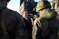 """03 NOV 2003, LAAGE/GERMANY:<br /> Gerhard Schroeder, SPD, Bundeskanzler, und Soldaten des Flugabwehrraketensystems Patriot, Besuch der Luftwaffe beim Jagdgeschwader 73 """"Steinhoff""""<br /> IMAGE: 20031103-01-062<br /> KEYWORDS: Bundeswehr, Bundesluftwaffe, Soldat"""