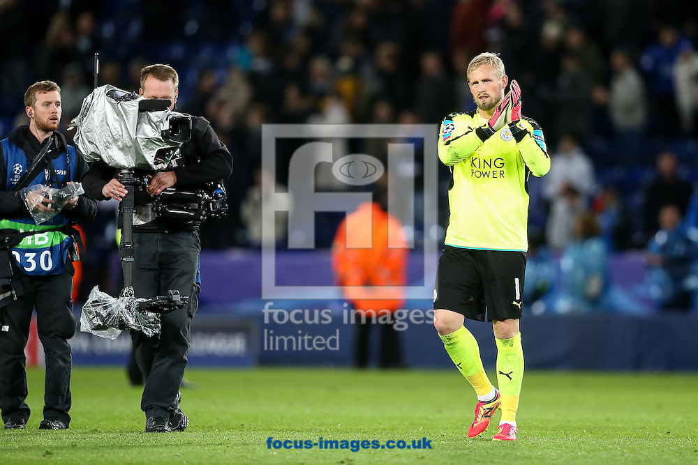 Kasper Schmeichel of Leicester City applauds the crowd after the UEFA Champions League match at the King Power Stadium, Leicester<br /> Picture by Andy Kearns/Focus Images Ltd 0781 864 4264<br /> 18/10/2016
