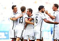 1:0 Jubel Deutschland v.l. Mesut Oezil, Torschuetze Thomas Mueller (13), Philipp Lahm, Sami Khedira, Benedikt Hoewedes<br /> Fussball, FIFA WM 2014 in Brasilien, Vorrunde, Deutschland - Portugal<br /> Tyskland - Portugal<br /> <br /> Norway only