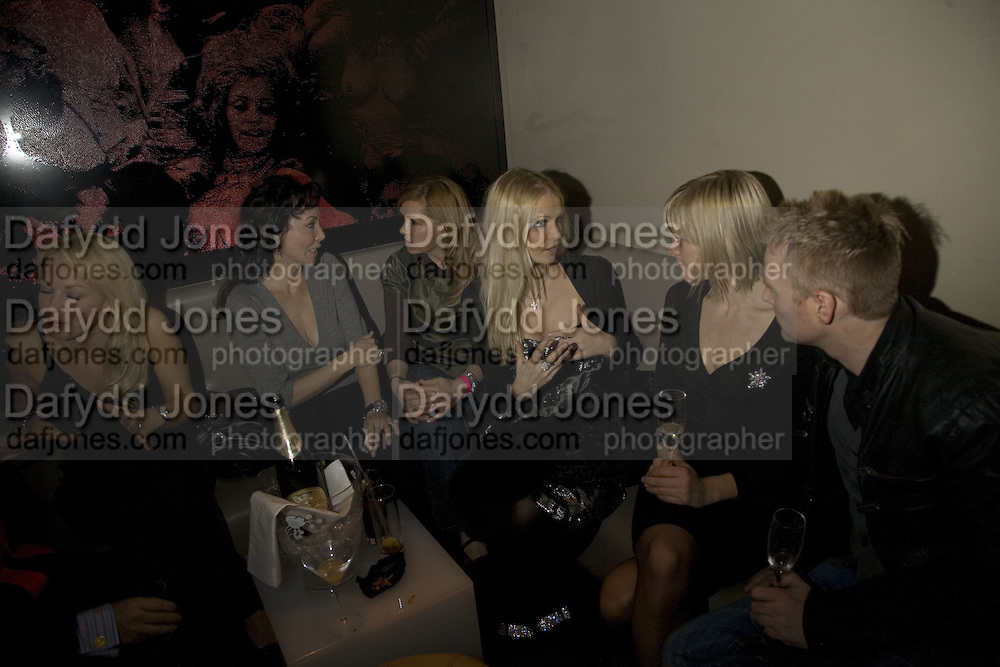 HANNAH SANDLING AND JENNI FALCONER, Party to launch CARAT a new diamond brand, Kitts. Sloane sq. London. 20 December 2007.  -DO NOT ARCHIVE-© Copyright Photograph by Dafydd Jones. 248 Clapham Rd. London SW9 0PZ. Tel 0207 820 0771. www.dafjones.com.